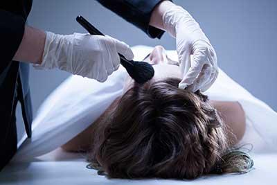 maquillador de muertos