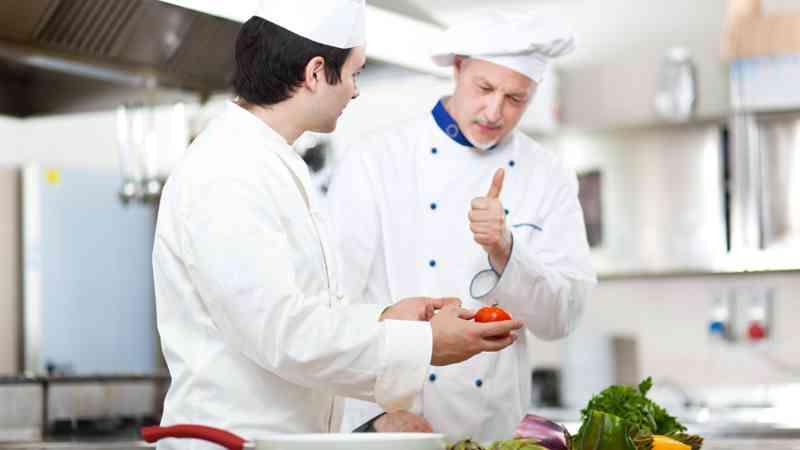curso ayudante de cocina y ayudante de cocina funciones