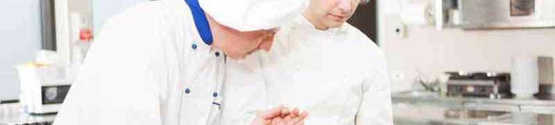 Curso manipulador alimentos industrias transformadoras for Ayudante de cocina funciones