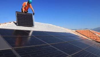 Curso Gratuito Curso Universitario de Energía Solar Fotovoltaica + Energy Project Management (Doble Titulación + 8 ECTS)