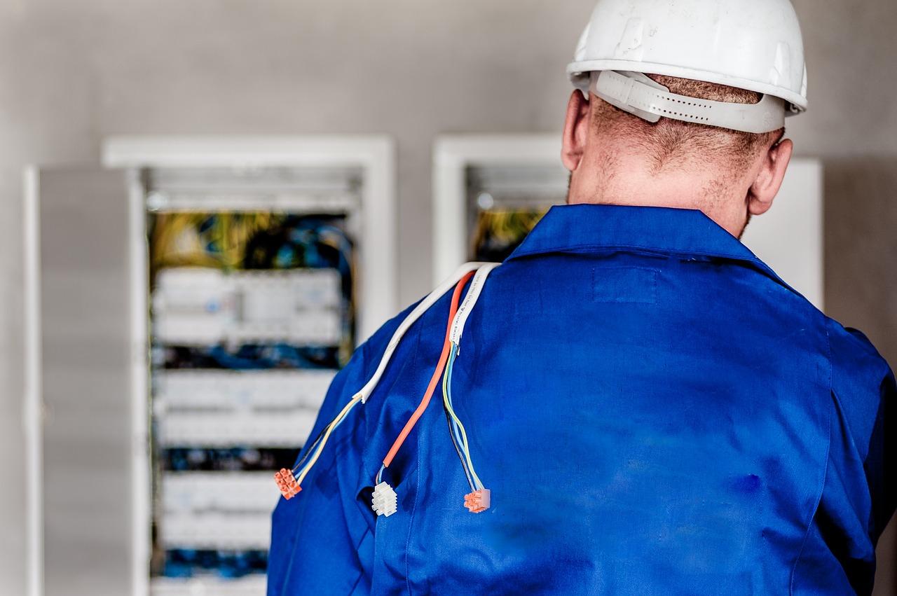 cursos en línea electricidad industrial