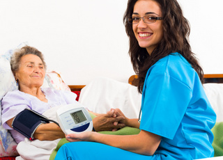 cursos de auxiliar de geriatria gratuitos